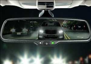 Rétroviseur automobile à atténuation automatique